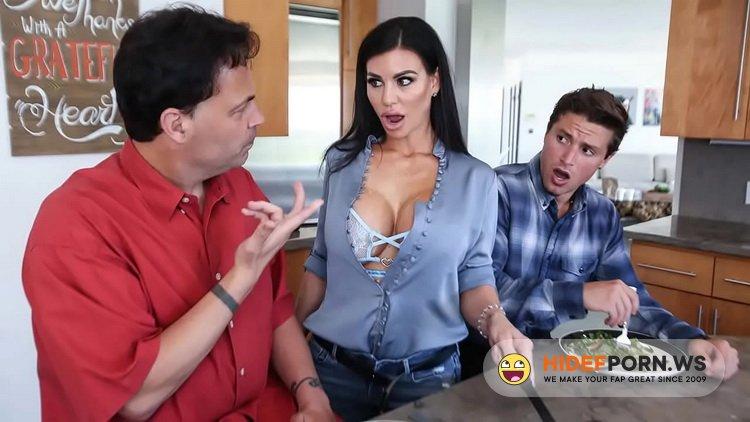 FamilyStrokes.com/TeamSkeet.com - Melissa Lynn - Eggs And Bacon Boning [HD 720p]