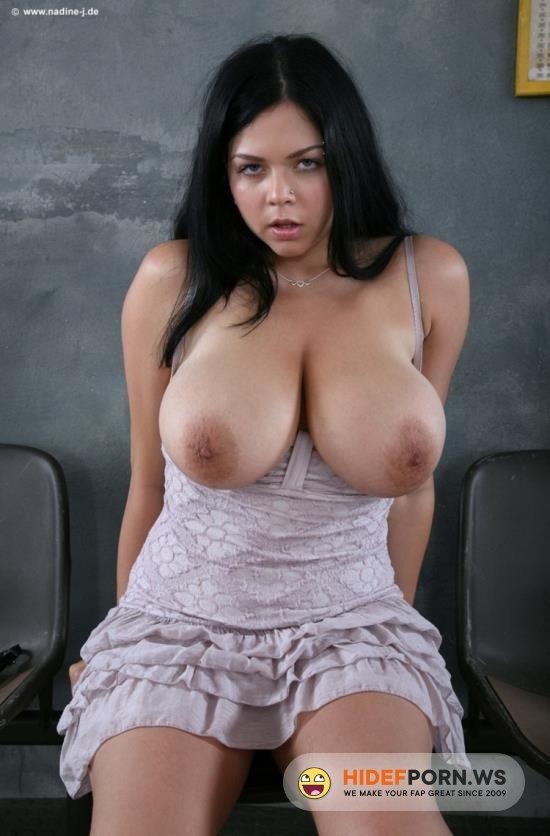 MassageGirls18.com - Shione Cooper - Huge Tits Oil Massage [HD 720p]