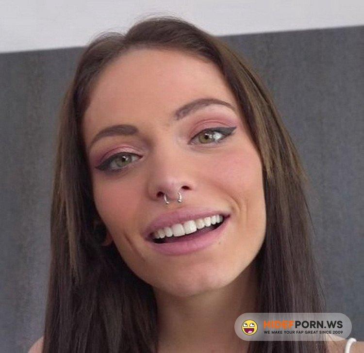 JacquieEtMichelTV/Indecentes-Voisines - Clara Mia - Clara, 18, Threesome And Sodomy In A Castle! [FullHD 1080p]