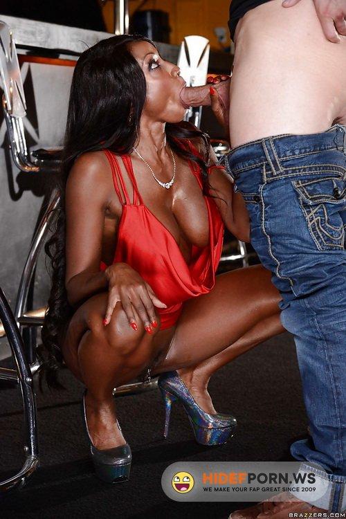 MilfsLikeItBig.com/Brazzers.com - Diamond Jackson, Simone Sonay - Aching For Anal [FullHD 1080p]