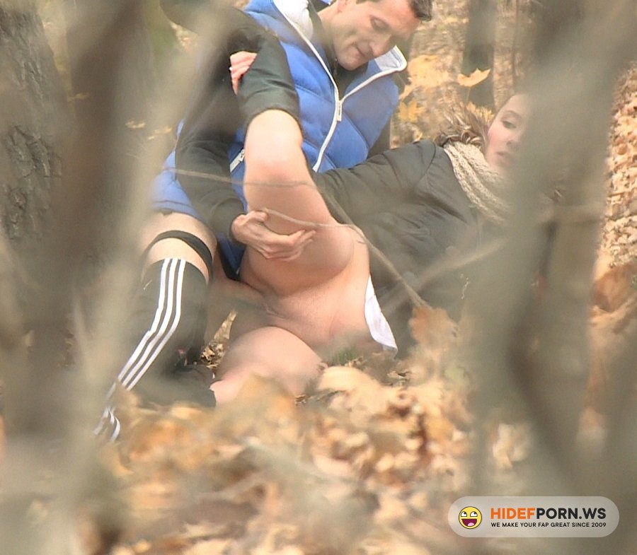 CzechExperiment.com - Nicola - Autumn Sex In Park [HD 720p]