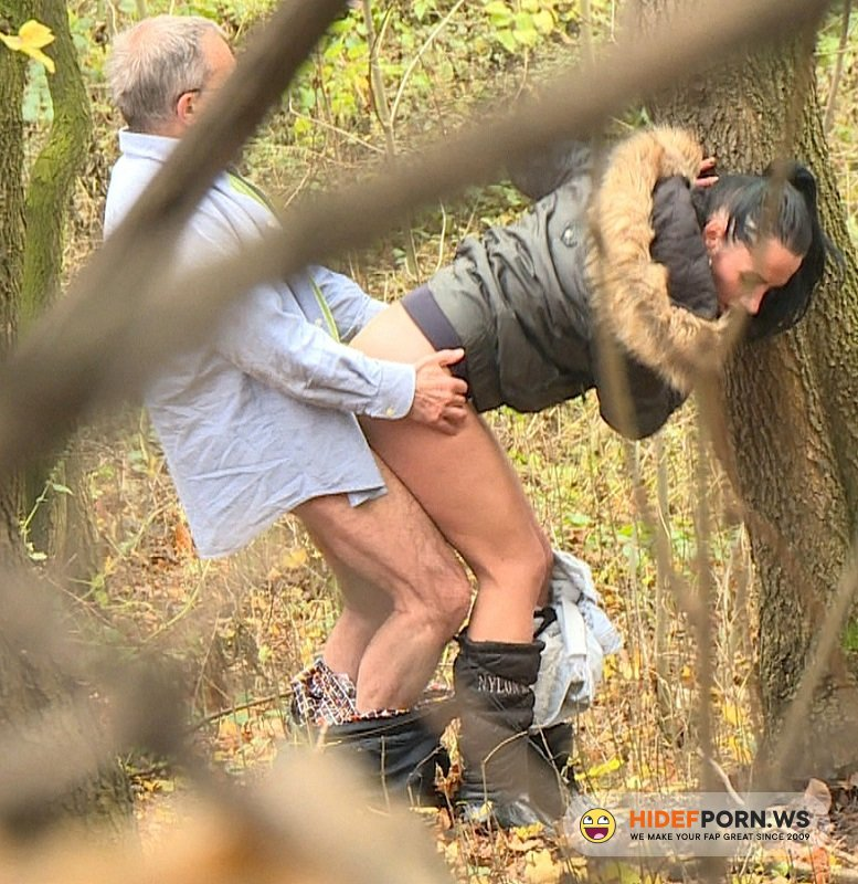 CzechExperiment.com - Terra - Brunette Fuck With Old Man In Park [HD 720p]