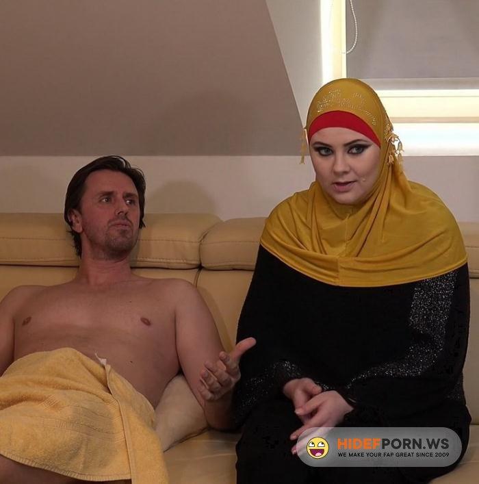 ArabsExposed.com - Alexa Bold - Busty Hijab Girl [FullHD 1080p]