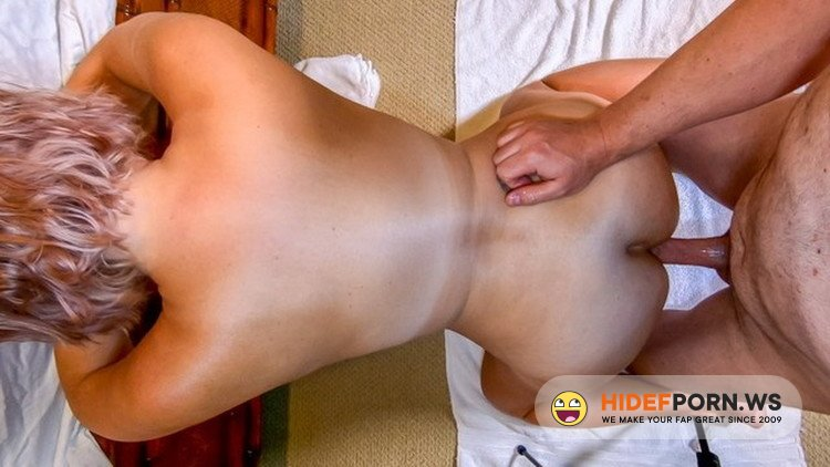 OnlyFans.com - SexwithMilfStella - Mature MILF Mom Hardcore Anal Squat Fuck Anal Doggy Fucking [FullHD 1080p]