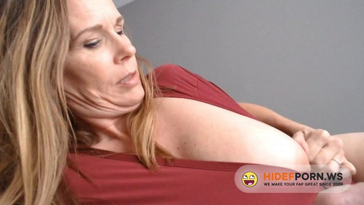 OnlyFans.com - Unknown - POV in bed with Mommy [FullHD 1080p]