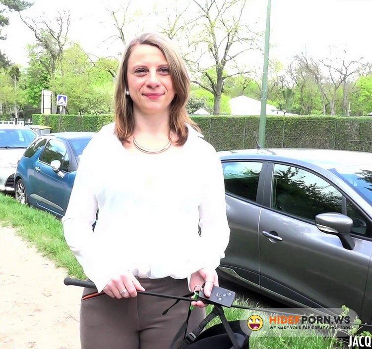 JacquieEtMichelTV.net/Indecentes-Voisines.com - Clothilde - Clothilde, 30ans, institutrice a Compiegne [FullHD 1080p]