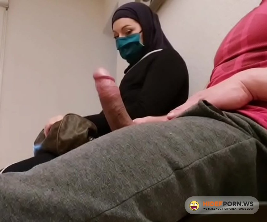 Exhibition.com - Amateur - Jerking a Dick in Front of a Muslim Woman [HD 720p]