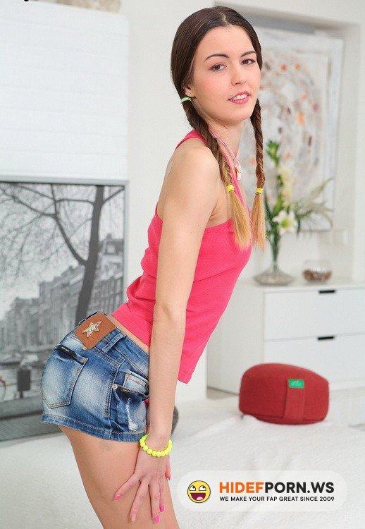 LegalPorn.com - Cindy Shine - Skinny Teen Gang Bang [HD 720p]