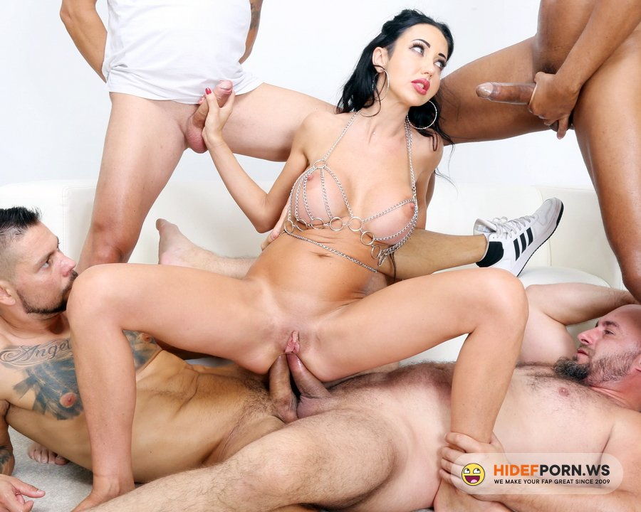 AnalVids.com, LegalPorno.com - Laura Fiorentino - Naked Barefoot Goes Wet, Laura Fiorentino, 4 On 1, ATM, DAP, Rough Sex, Gapes, ButtRose, Pee Drink, Squirt, Cum In Mouth GIO1901 [HD 720p]