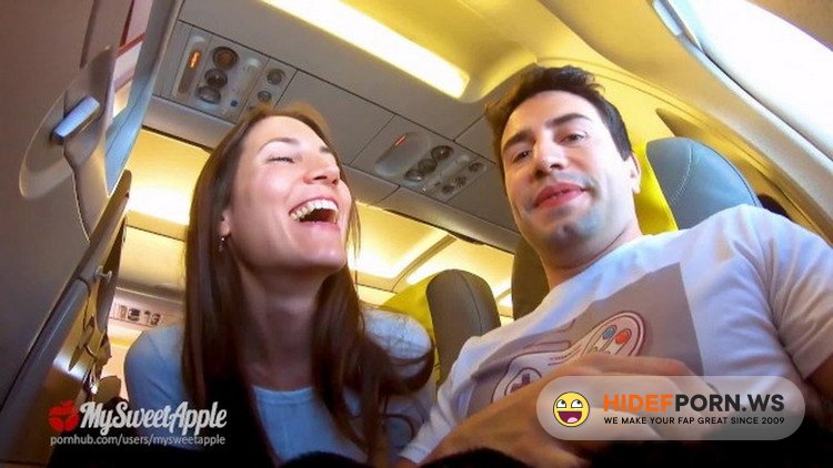 Onlyfans.com - MySweetApple - Risky Blowjob in a Plane to Berlin - Mile High Club [FullHD 1080p]