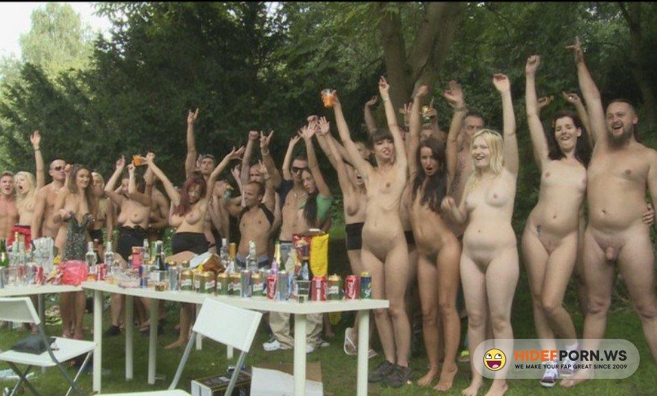CzechGardenParty.com - Amateur - Group Sex On Garden [SD 396p]
