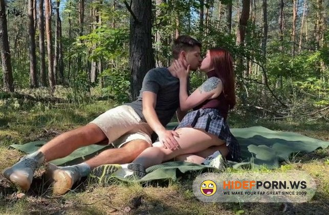 Amateurporn.сс - Leo Kleo - Sex In The Forest [FullHD 1080p]
