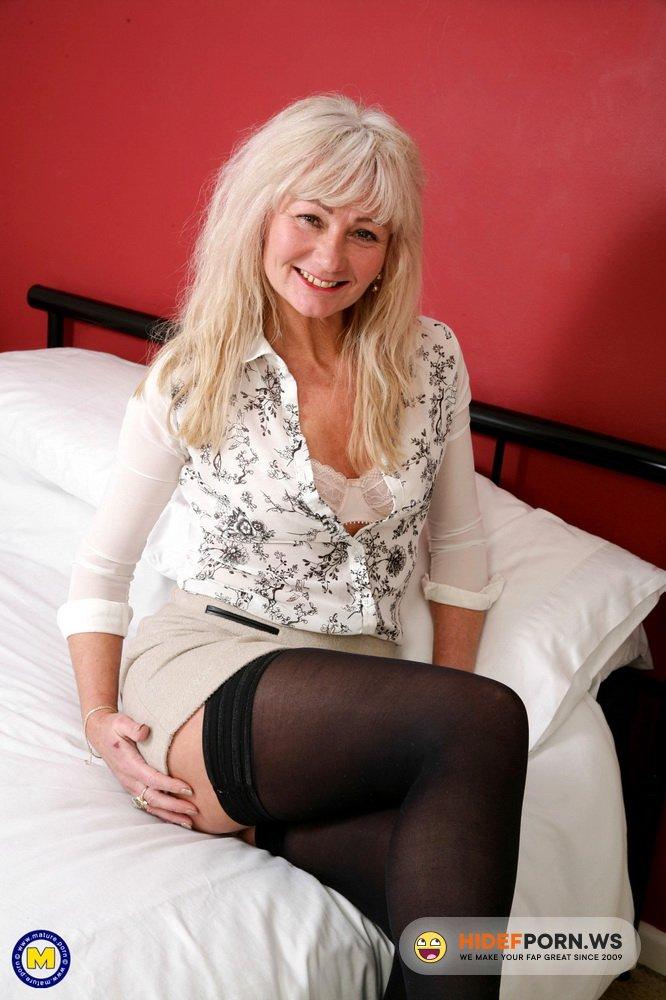 Mature.nl/Mature.eu - Ellen B. (EU) (48) - British housewife Ellen loves fucking and sucking her toyboy [FullHD 1080p]