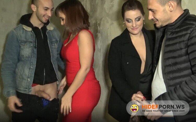 JacquieEtMichelTV.net/Indecentes-Voisines.com - Julie, Angelique - It ignites with Julie, 25 years old! [FullHD 1080p]