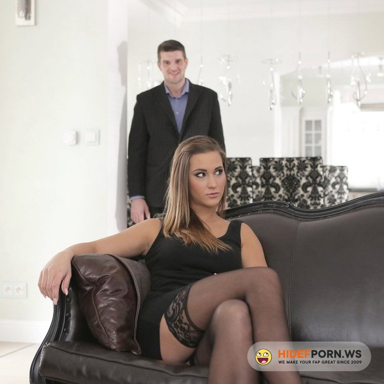 Bang! Glamkore/Bang.com - Naomi Bennet - Glam Socialite Naomi Bennet Exchanges Jewels For A Pearl Necklace [FullHD 1080p]