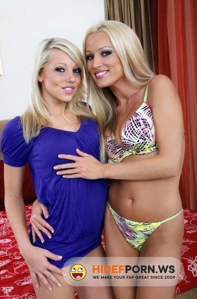 2ChicksSameTime - Shawna Lenee, Diana Doll - Diana Doll Fucking In The Bedroom With Her Small Tits [2021/SD]