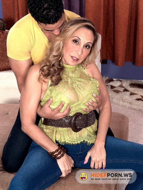 40SomethingMag.com/ScoreHD.com - Sophia Jewel - Ass-fucked, big-titted 43-year-olds are a man's best friend [HD 720p]