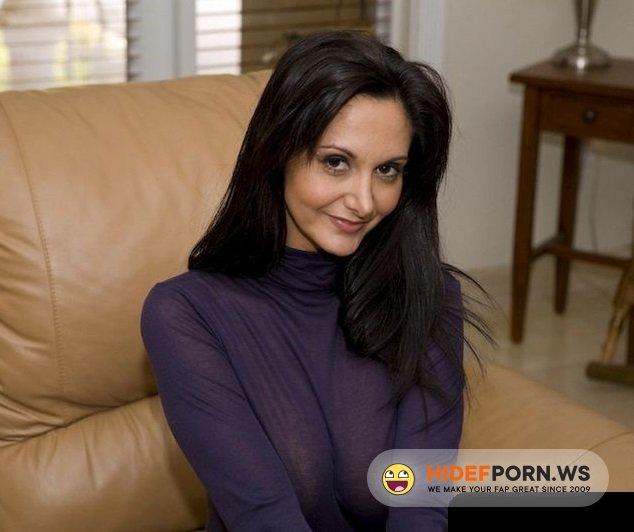 CuckoldPorn.cc - Ava Addams - Horny Neighbor Wife Want Sex [HD 720p]